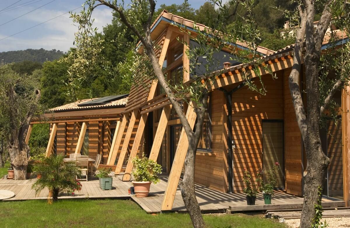 Maison en bois sur mesure par Charpente et Création
